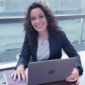 Alicia de Santos, Directora de Operaciones